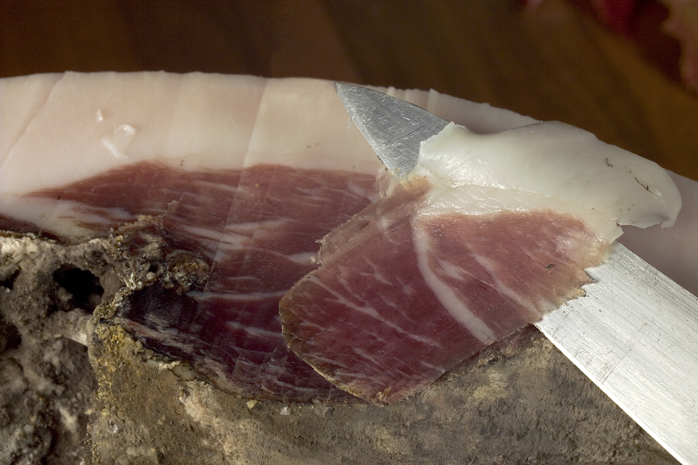 Jambon de porc noir gascon 36 mois coupe9_credit_j.hoden