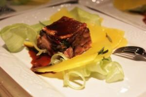 Gâteau de cochon de lait gascon,  turban turc, rhubarbe, romarin